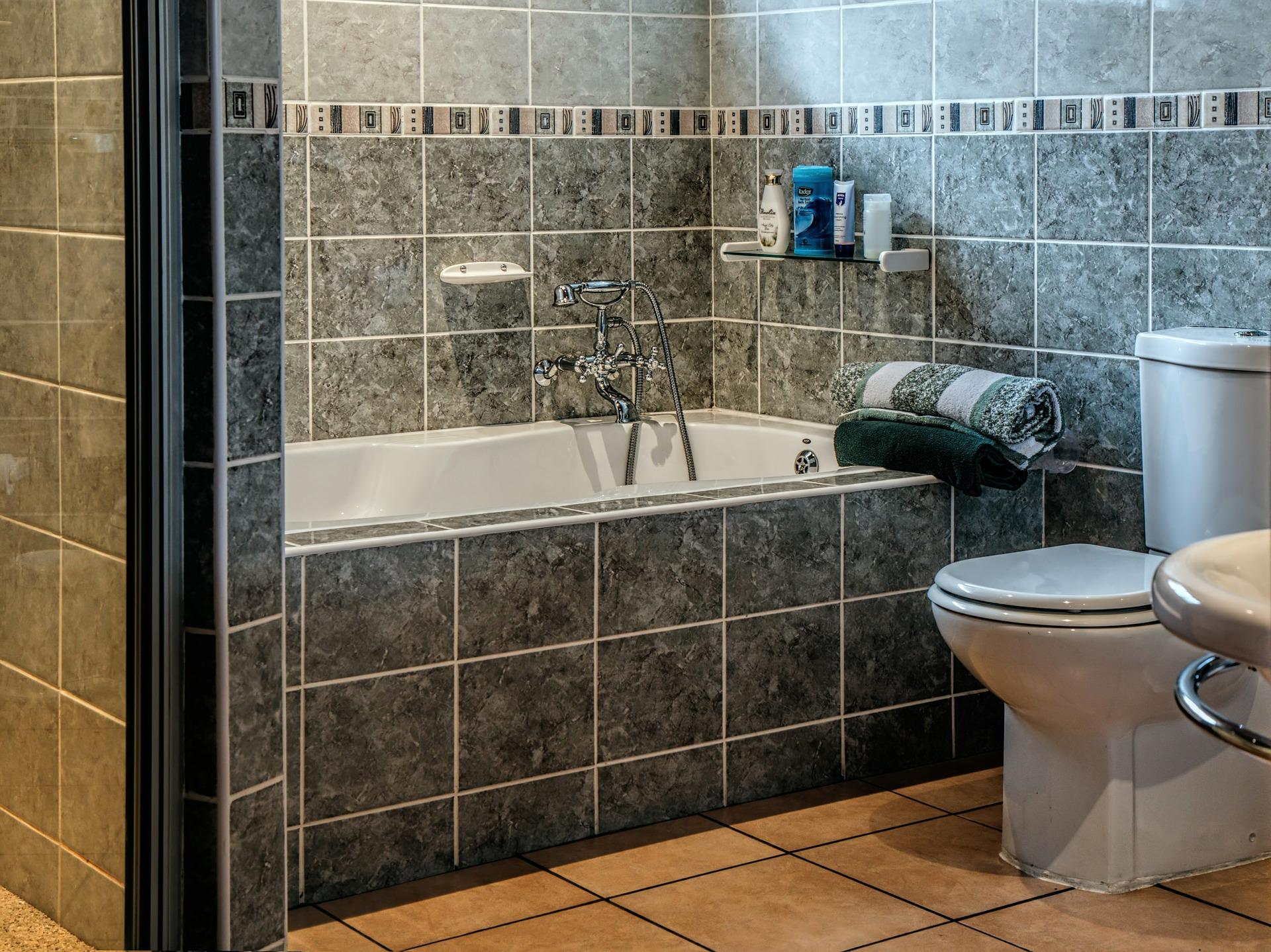 Low-flow-toilets